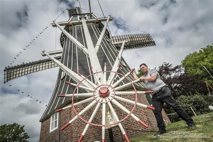 Molenaar Klaas Bos van de Grote Geesterse molen.