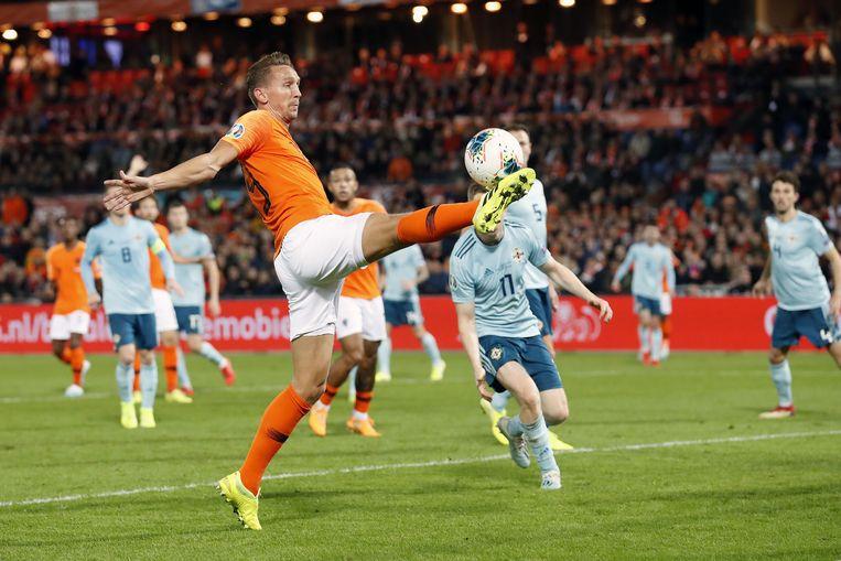 Luuk de Jong tijdens de wedstrijd Nederland tegen Noord-Ierland  Beeld null