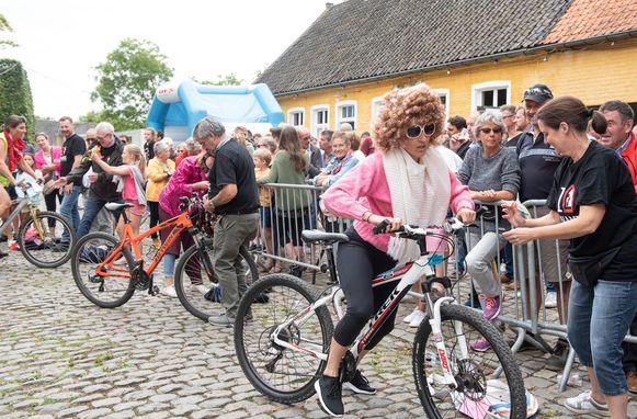Een beeld dat ze dit jaar in Mullem moeten missen. Muziek op Valiezeradio moet ervoor zorgen dat het zaterdag toch niet stil blijft.