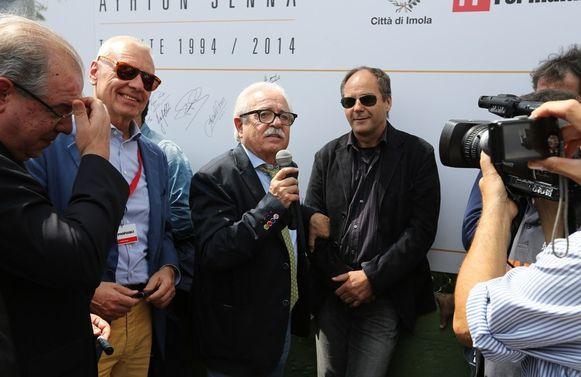 Gerhard Berger (R, met zonnebril).