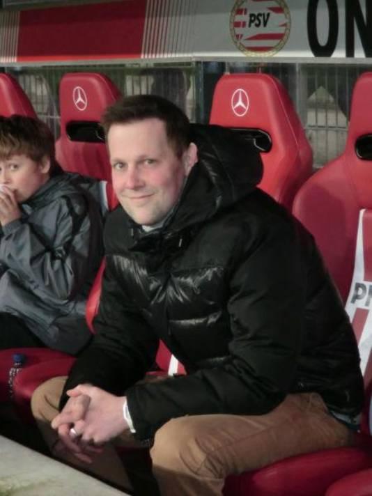Nou eens een verrassing voor Joost: Danielle regelde dat Joost 'man of the match' werd bij 'zijn' club PSV.