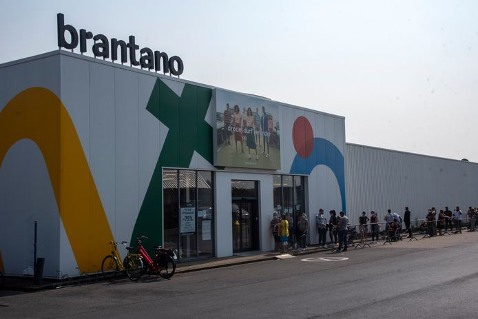 De Brantano vestiging in Wetteren is overgenomen door de Nederlandse groep vanHaren.