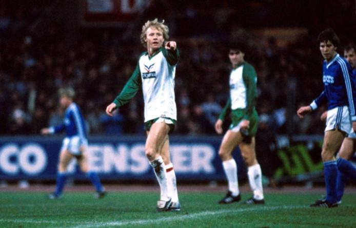 Op witte schoenen als speler van Werder Bremen, de club waarmee hij op zijn 38ste toch nog kampioen werd.