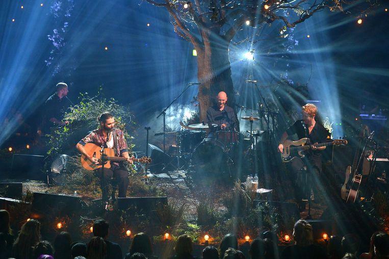 Simon Neil, James Johnston and Ben Johnston of Biffy Clyro tijdens MTV Unplugged.  Beeld Getty Images