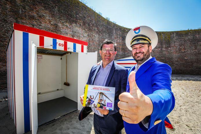 Burgemeester Bart Tommelein en Kapitein Winokio.