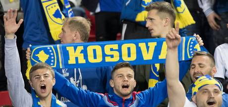 Supporters verrassen spelers Kosovo bij klassiek concert
