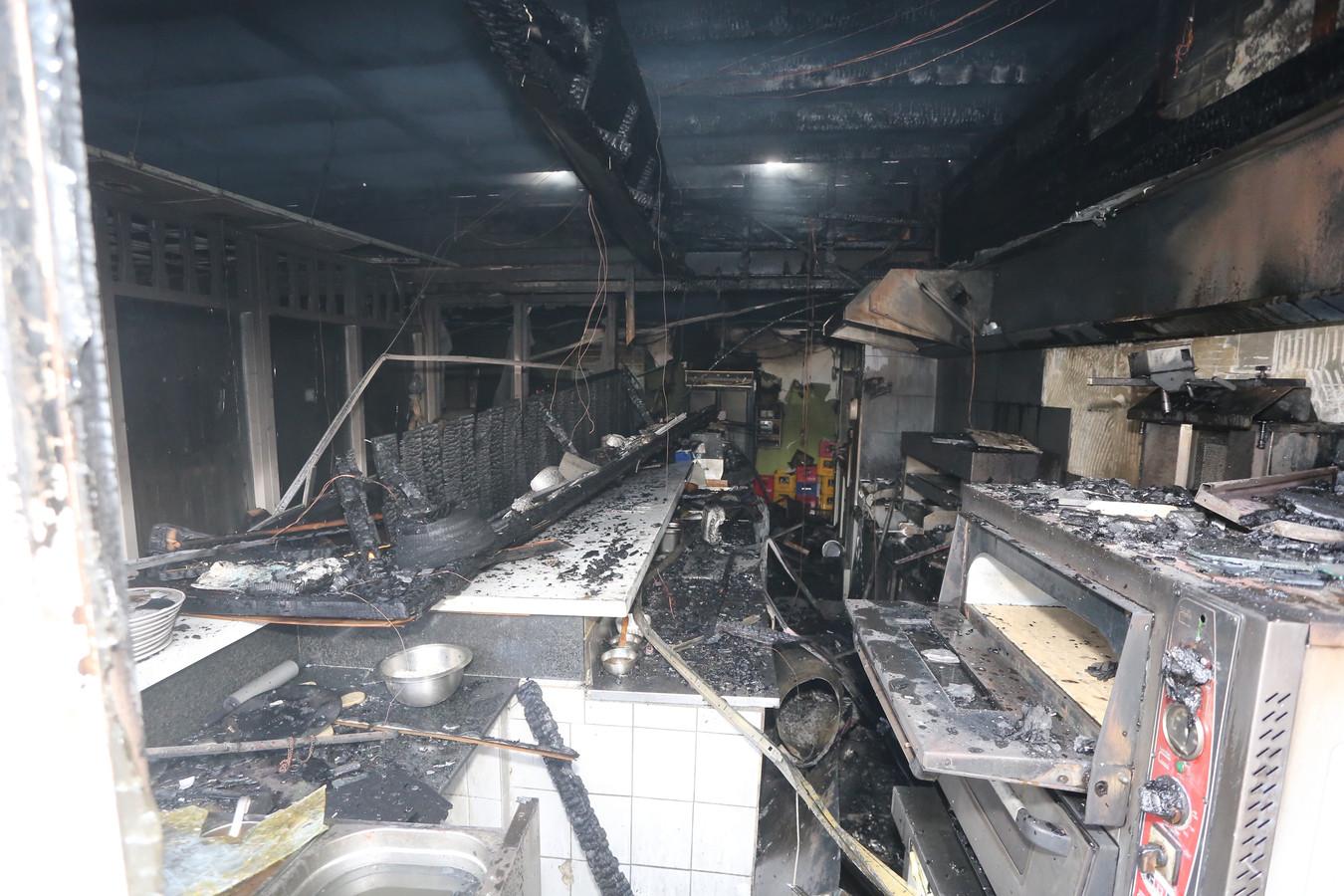 De schade na de brand in het Egyptisch restaurant.