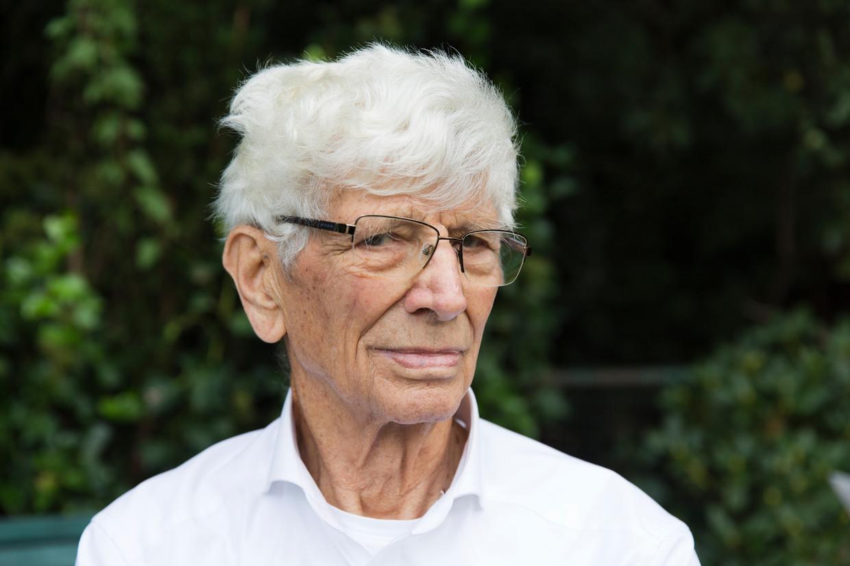 Jan de Graaf uit het Friese Kollumerzwaag zag als tiener hoe uitgehongerde mensen aanklopten bij de boerderij van zijn ouders.