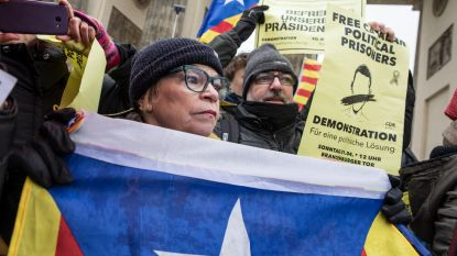 Enkele honderden demonstranten in Berlijn vragen vrijlating Puigdemont