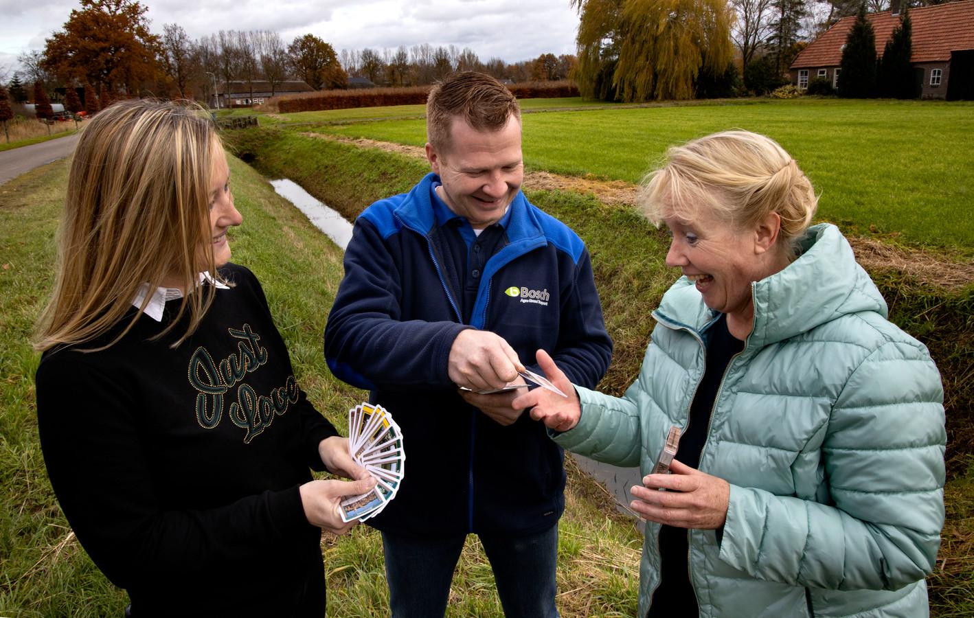 Boerenkwartetspel in Oirschot met Anjo en Edwin van den Bosch en Marie-Jose van de Ven (r), bestuurslid ZLTO Oirschot-De Beerzen.