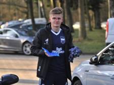 Voetballer Lars Hekkers van DUNO na gebroken neus:   'Tanden liggen er niet uit'