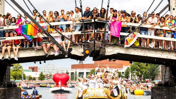 De botenparade van de Pride trok in augustus honderdduizenden bezoekers.