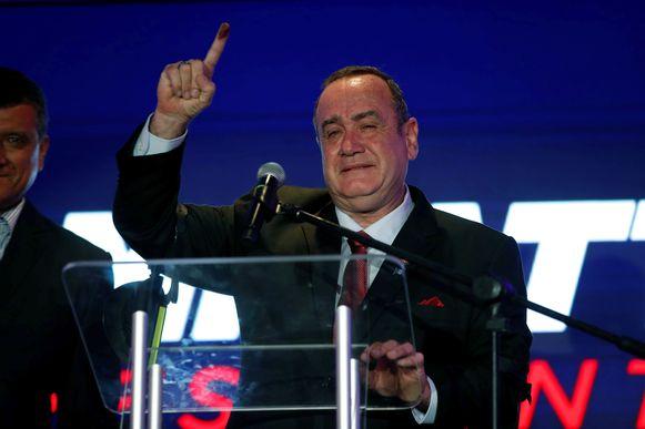 Alejandro Giammattei tijdens een persconferentie.