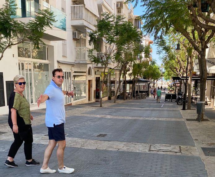 Peter Vroom en Karin Stroeve op Mallorca.