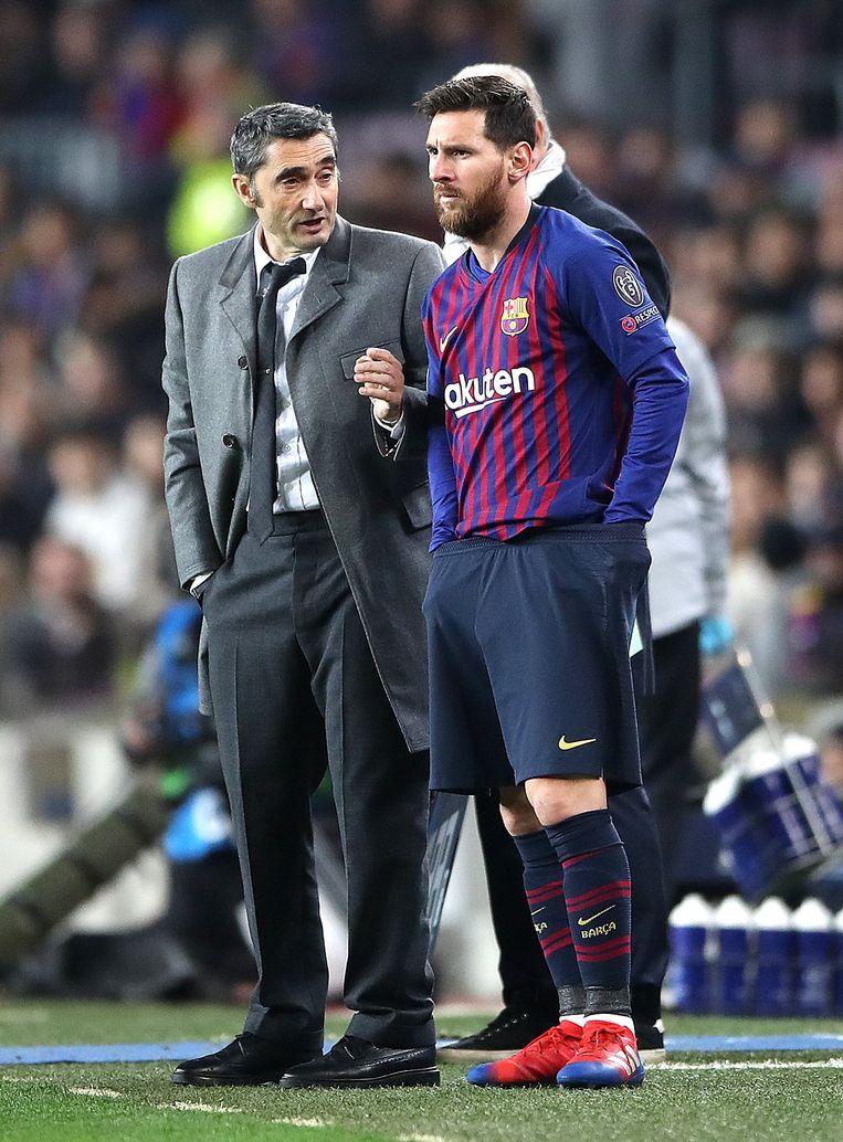 Valverde met zijn sterspeler. Meestal is het bij Barça wachten op een flits van Messi om voor de verlossing te zorgen.
