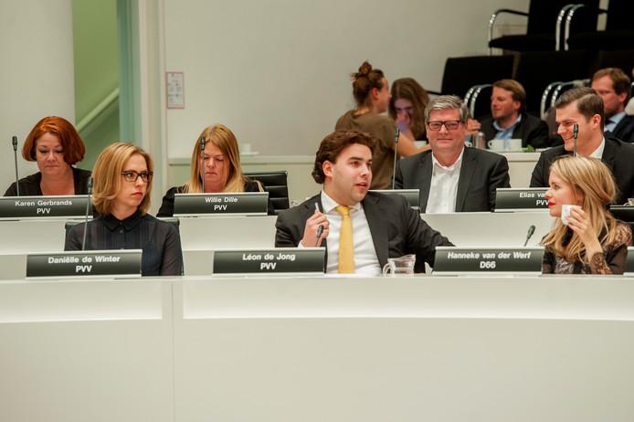 De PVV-fractie in de Haagse raad. Linksachter lijsttrekker Karen Gerbrands.