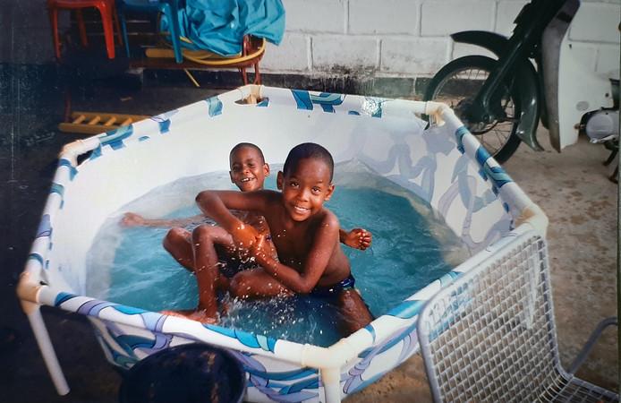 Jeangu met tweelingbroer Xillan