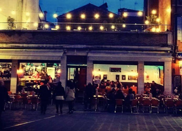 Les faits ont commencé dans ce bar, situé Campo Santa Margherita