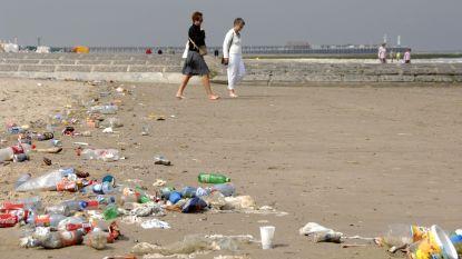 Staatssecretaris De Backer wil plastic rietjes en bekers bannen van Belgische stranden