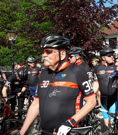 Tour d'Asperges vanuit Leende met Joop Zoetemelk levert 33.333 euro op