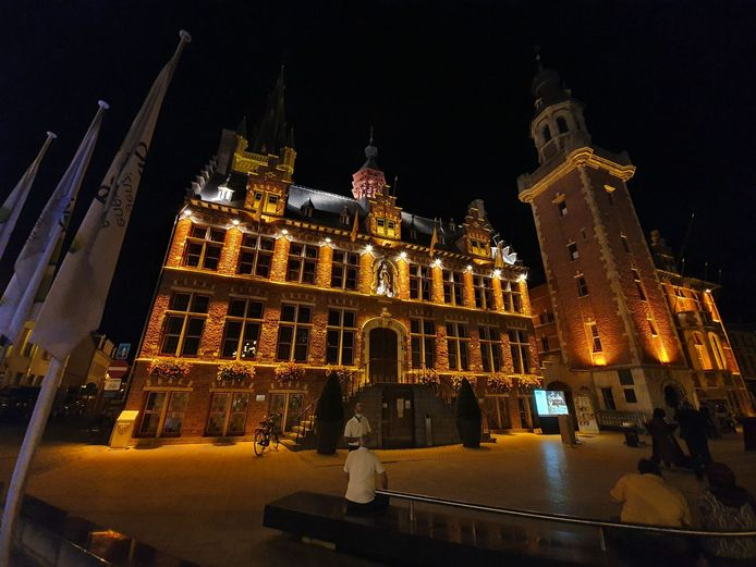 Het stadhuis van Eeklo.