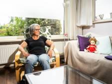 Margreet (68) heeft al zestig jaar pop Liesbeth: 'Allebei bejaard, dat is bijzonder'