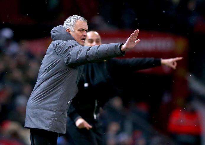 José Mourinho (links) en Pep Guardiola.