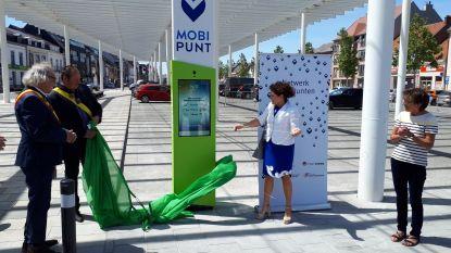 Opening eerste Oost-Vlaams mobipunt op Marktplein in Sint-Lievens-Houtem