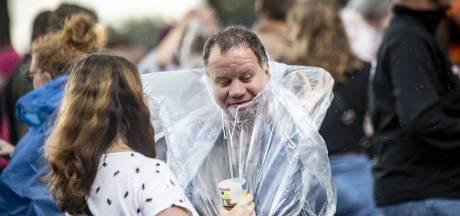Regen spelbreker op Tuckerville? Poncho houdt bezoekers op de been
