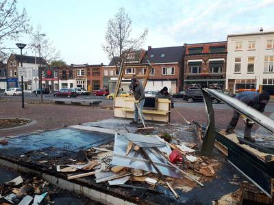 Door brand vernield frietkot van De Fer in Breda gesloopt