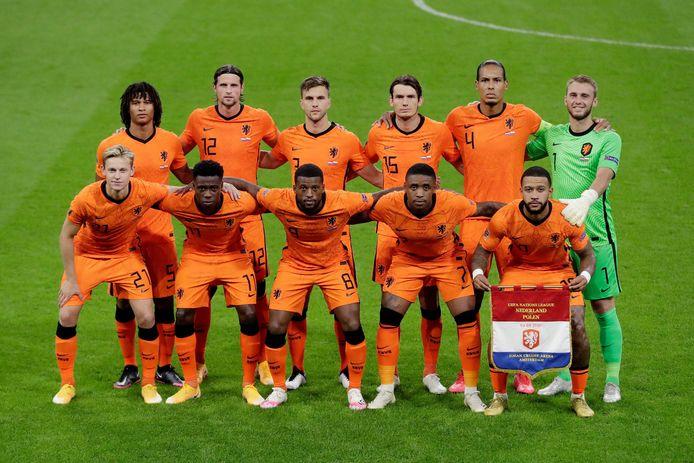 Het Nederlands elftal voor de interland tegen Polen.