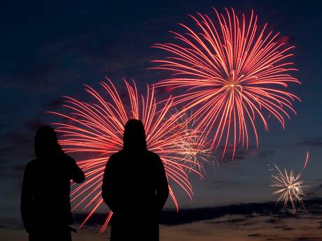 Vuurwerkfestival herdenkt slachtoffers Spanje met minuut stilte