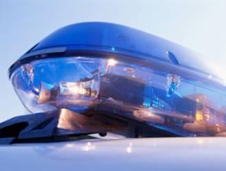 Vijf kinderen met vuile luiers van snelweg geplukt