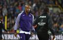 Links de geplaagde speler-coach Vincent Kompany.