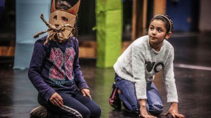 Kinderen leren het ABC van theater bij Antigone