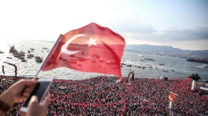 Burgemeester Izmir gearresteerd voor betrokkenheid bij poging tot staatsgreep in Turkije