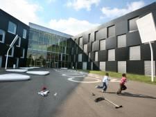 Verslagenheid bij handbalclub na overlijden natuurkundeleraar Sjoerd (28): 'Veel te jong'