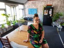 Chantal (41) helpt in Almelo 80 à 90 mensen met psychische problemen: 'Heb ook zelf de bodem aangeraakt'