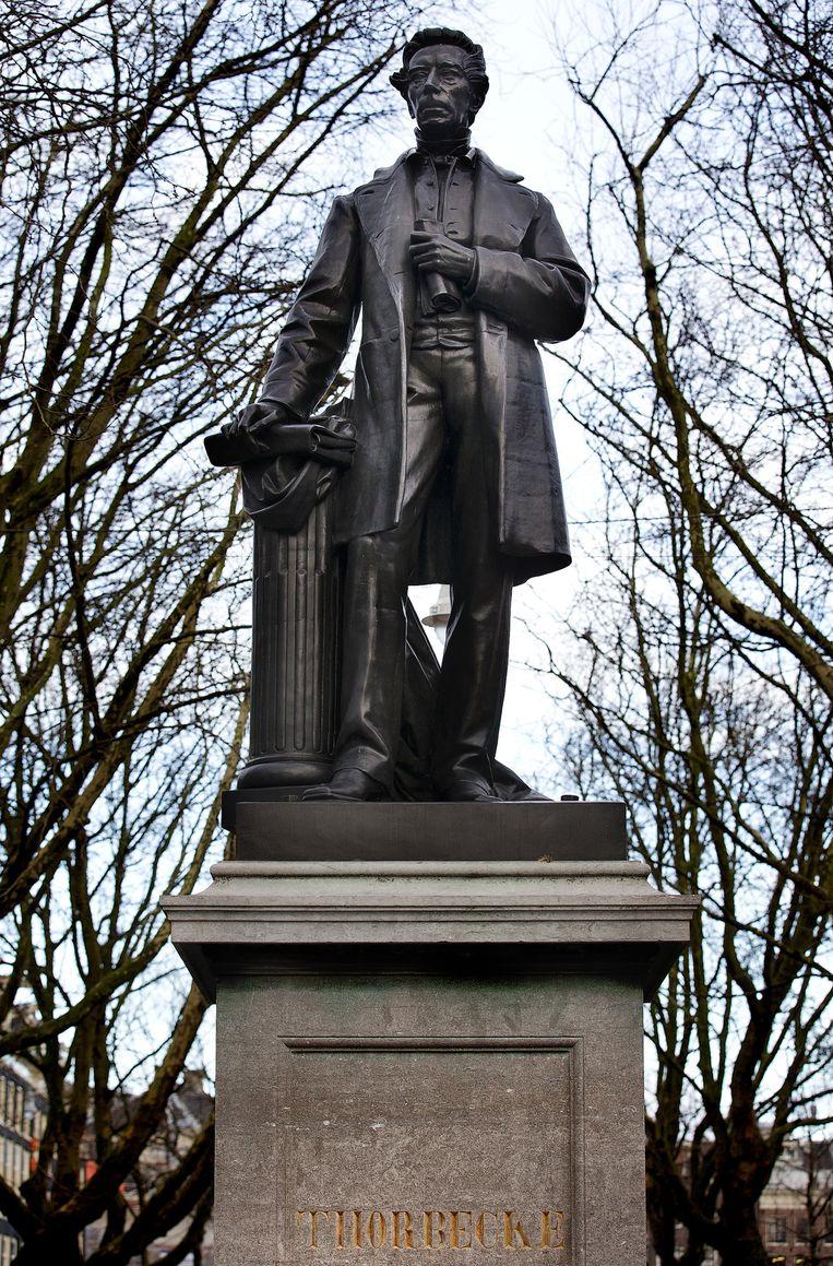Standbeeld Thorbecke aan de Amsterdamse Herengracht. Beeld anp