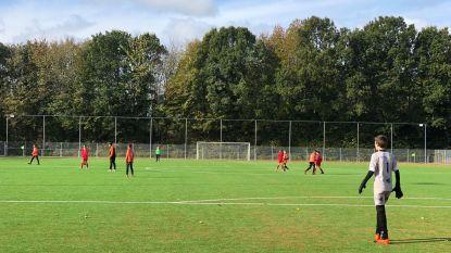 Kunstgrasveld FC Schepdaal wordt ingehuldigd (en krijgt de naam van een Gouden Schoen)