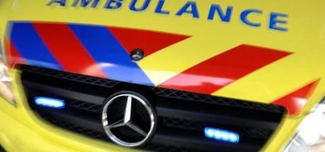 Twee gewonden bij ernstig ongeluk Eerste Oosterparkstraat