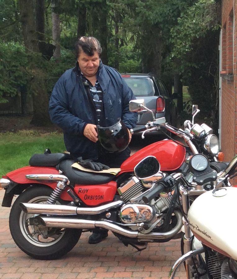 Willy Verbist met zijn rode motor