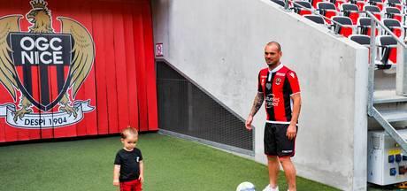 Wesley Sneijder heeft op veld Nice lol met zoontje Xess Xava