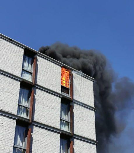 Appartementencomplex nabij Hengelose binnenstad getroffen door brand