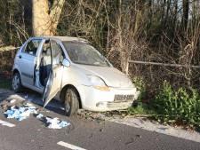 Automobilist (18) bekneld bij ernstig ongeval in Zoelen