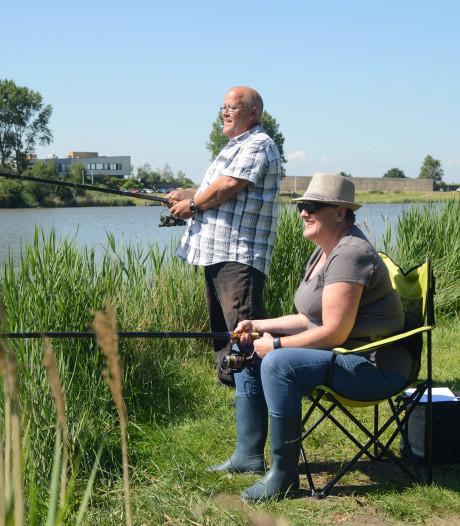 Platvis laat zich moeilijk vangen op visdag bij Ouwerkerk