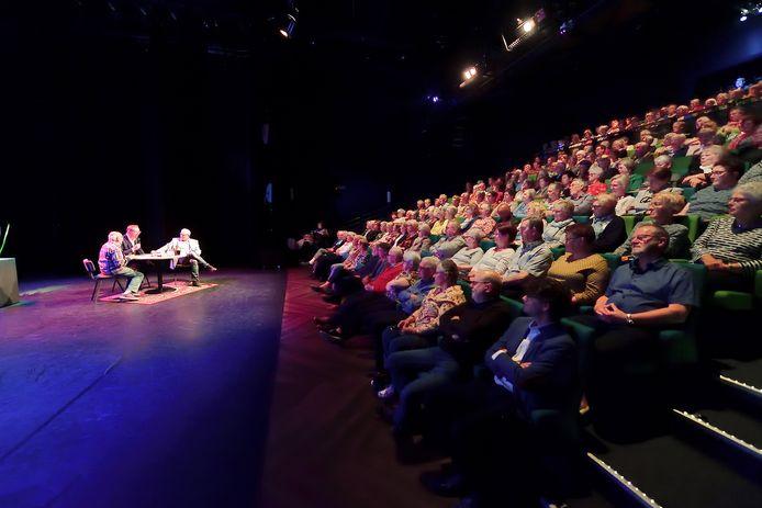 De belangstelling voor de voorstellingen op dinsdagmiddag in De Kring is groot.
