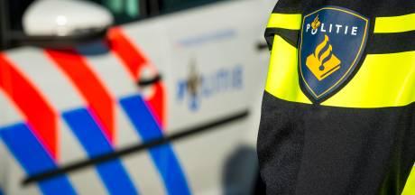 Tweetal rijdt op gestolen scooter in Bergen op Zoom: bestuurder ontsnapt, bijrijder aangehouden