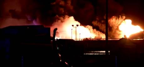 Tankwagen in vlammen op snelweg Utah, VS