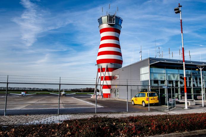 Lelystad Airport zag het aantal lesvluchten vorig jaar fors toenemen en is het grootste 'lesvliegveld' van Nederland.